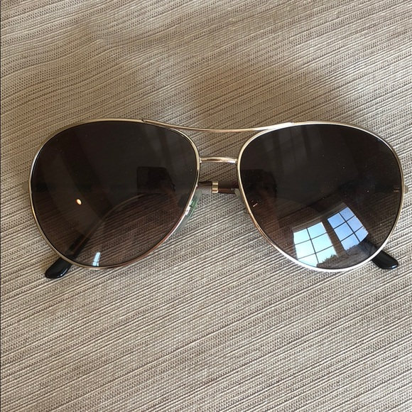 2831bd8b3e39 Burberry Accessories - Burberry Aviator Sunglasses